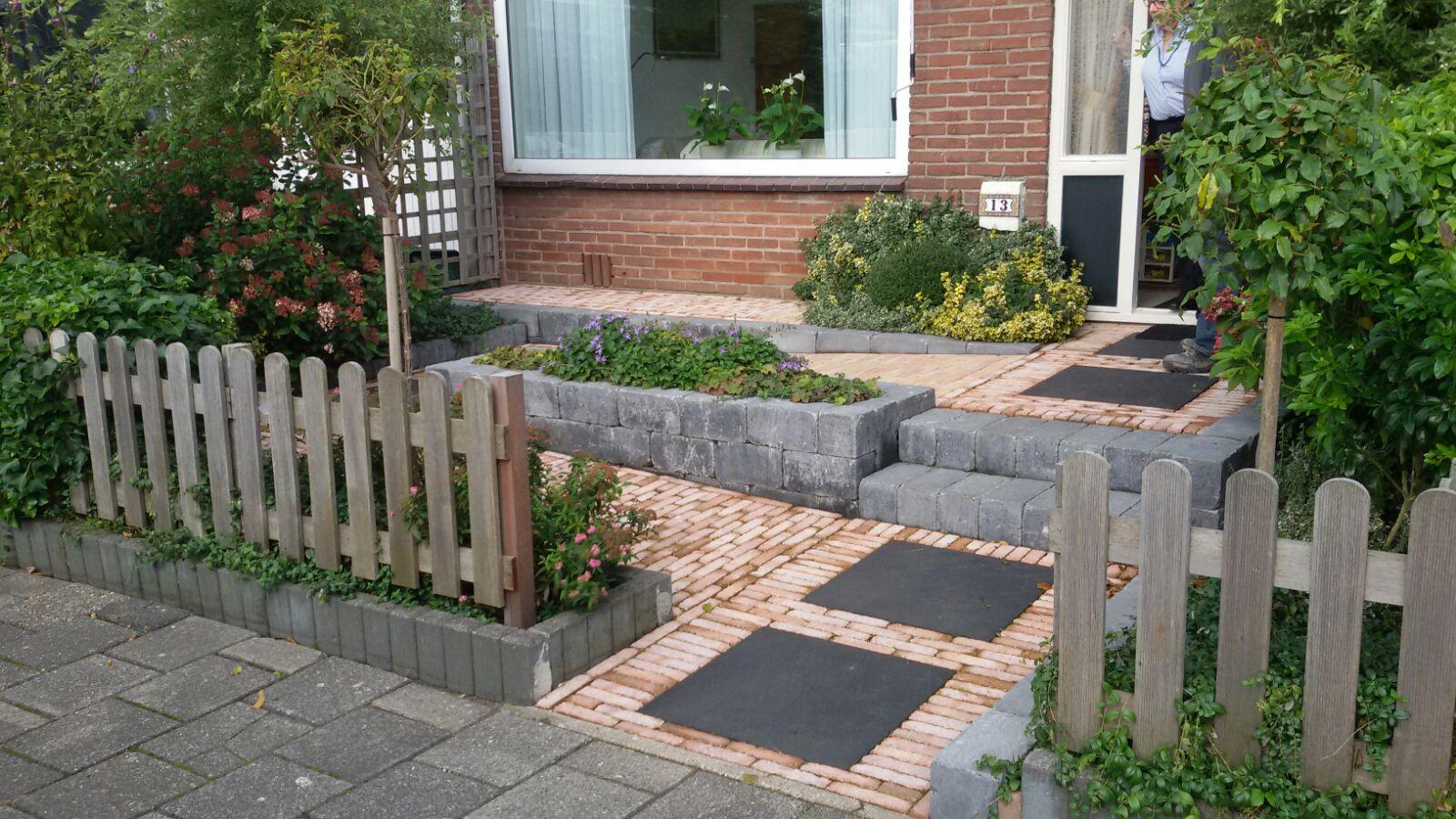 Fotoboek van der molen groenvoorzieningen for Bestrating kleine tuin